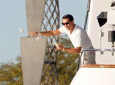 A Leonardo Di Caprio le sobra el dinero