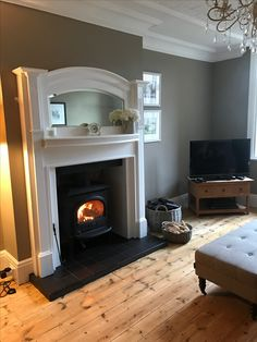 Yotel F3 stove, surround Farrow and Ball All White, walls Little Greene True Taupe