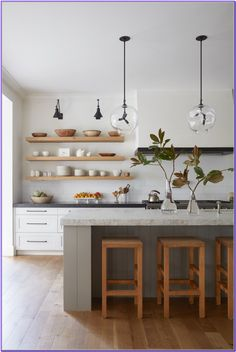 Home Decor Diy Open kitchen shelves // industrial pendant lights // hardwood floors // floating shelves.Home Decor Diy Open kitchen shelves // industrial pendant lights // hardwood floors // floating shelves Interior Design Minimalist, Interior Modern, Interior Ideas, Danish Interior Design, Modern Minimalist, Small Home Interior Design, Minimalist Kitchen Counters, Minimalist Dining Room, Coastal Interior