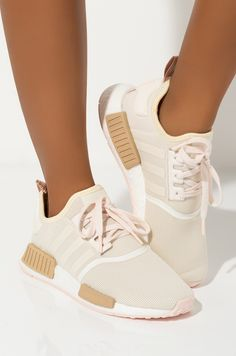 Discover recipes, home ideas, style inspiration and other ideas to try. Nmd Sneakers, Cute Sneakers, Casual Sneakers, Sneakers Fashion, Pink Adidas, Adidas Shoes, Lace Up Trainers, Hype Shoes, Adidas Women
