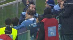 Χαμός στο Ολίμπικο, οπαδός έφτυσε ποδοσφαιριστή(pics) > http://arenafm.gr/?p=287278