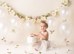 Celebrate a milestone in your baby's life with themed baby cake smash photos b. Celebrate a milestone in your baby's life with themed baby cake smash photos by Brandie Narola Ph Baby Cake Smash, 1st Birthday Cake Smash, Baby Girl 1st Birthday, Smash Cakes, Bebe 1 An, First Birthday Pictures, Birthday Ideas, Birthday Quotes, Birthday Gifts