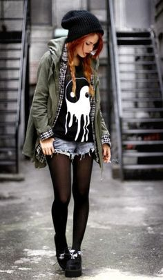 How to Do the Street Style Punk Look Diese Indie-Mode, Punk oder was auch immer es ist egal, thang c: Punk Rock Outfits, Grunge Style Outfits, Hipster Outfits Winter, Mode Outfits, Fashion Outfits, Edgy Outfits, Girl Hipster Outfits, Scene Outfits, Hipster Girls