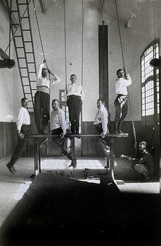 1925 Bomberos en el gimnasio
