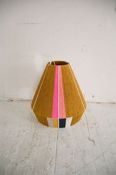 The Native can be a custom design- colors of your choice. It can be a pendant as well as a desk lamp. Lamp Redo, Ana Kras, Idee Diy, Brass Lamp, Used Iphone, Lampshades, Decoration, Diy Furniture, Lanterns