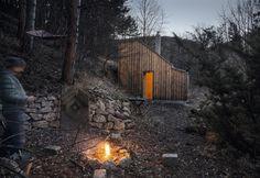 Gallery of Tom's Hut / raumhochrosen - 1