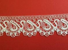design similar to very early bobbin lace. pattern source unknown. m/b Gordana Budimir