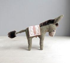 donkey / soft sculpture animal