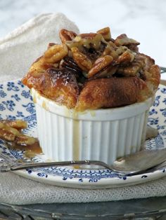 Cones and Acorns: Krispy Kreme Bread Pudding with Bourbon Pecan Sauce Pine Cones and Acorns: Krispy Kreme Bread Pudding with Bourbon Pecan Sauce Pine Cones and Acorns: Krispy Kreme Bread Pudding with Bourbon Pecan Sauce Krispy Kreme Bread Pudding, Bourbon Bread Pudding, Bread Puddings, Delicious Desserts, Dessert Recipes, Yummy Food, Eat Dessert First, Pudding Recipes, Holiday Desserts
