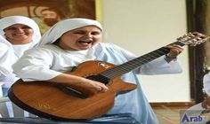 Straight outta Colombia: nun raps for pope