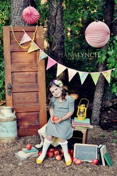 I am so doing this for my kids this year! Vintage back to school photo shoot