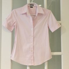 Theory pink Short sleeve shirt 78% cotton, 19% nylon, 3% spandex. Very nice shirt only worn once. Size P, fit 0-2 and xsmall Theory Tops