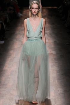 Valentino Spring 2015 Ready-to-Wear - Collection - Gallery - Look 77 - Style.com