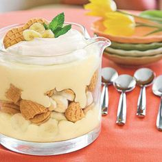 Nutter Butter®-Banana Pudding Trifle - This homemade pudding tastes divine! Instead of using the traditional vanilla wafers for banana pudding, we used Nutter Butter® sandwich cookies to add even more Dessert Desserts Ostern, Köstliche Desserts, Delicious Desserts, Dessert Recipes, Yummy Food, Pudding Desserts, Dessert Healthy, Light Desserts, Dinner Healthy