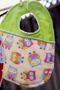 Lady by the Bay - Adorable Custom Baby Bibs Tutorial