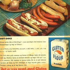 Hjemmebagte hotdog-brød.--------------------ønskes i bedre udgave