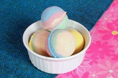 These DIY bath bomb recipes will help you bring an end to a difficult day. Whether you& into lush or medicinal ones, find out how to make bath bombs HERE. Party Favors For Adults, Bath Boms, Body Tutorial, Bombe Recipe, Bath Bomb Recipes, Bath Fizzies, Feeling Stressed, How To Make Diy, Diy Party