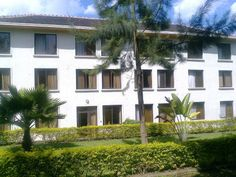 Apartments for rent in Kigali-Nyarutarama location: District of Gasabo, Nyarutarama near MTN service centre Description: 3 bedrooms + a sitting room + 1 restroom (wc) + a modern kitchen Pric...