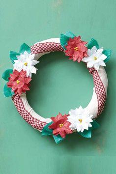 50 festive do it yourself christmas wreath ideas wreath crafts 50 festive do it yourself christmas wreath ideas solutioingenieria Gallery