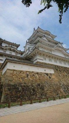 姫路城に行って来ました 白鷺城と言われるように白く美しいお城です スマホのアプリでより詳しい案内もあり楽しめました   #城#歴史#世界遺産