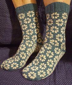 Knitting Socks Pattern Kostenlos Ravelry Ideas For 2019 , Beanie Knitting Patterns Free, Knitted Socks Free Pattern, Knitting Designs, Knitting Socks, Free Knitting, Ravelry, Patterned Socks, Knitting Accessories, Boot Toppers