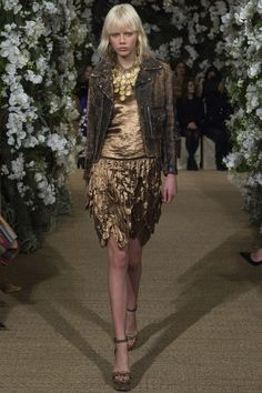 Ralph Lauren Spring 2017 Ready-to-Wear Collection Photos - Vogue Ralph Lauren Style, Ralph Lauren Collection, Sport Chic, Classic Outfits, Cool Outfits, Bohemian Fall Outfits, New York Fashion Week 2017, High Fashion, Fashion Show