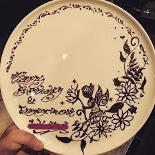 「チョコペン ア...」の画像検索結果 Chocolate Drawing, Chocolate Art, Plate Drawing, Cake Writing, Birthday Plate, Creative Desserts, French Pastries, Cake Decorating, Decorative Plates