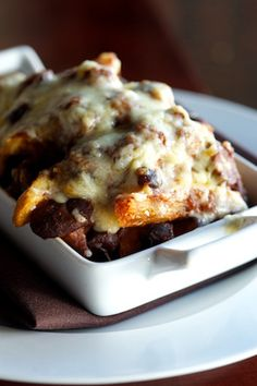 district chili cheese fries Perfect French Fries, Best French Fries, Great Recipes, Favorite Recipes, Delicious Recipes, Chili Cheese Fries, Cheese Lover, Fabulous Foods, Potato Recipes