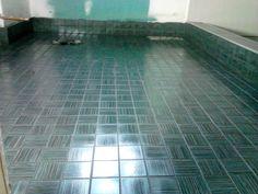 bathroom floor in mosiac