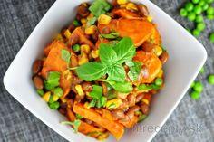 salat zo sladkych zemiakov a fazule Quick Healthy Lunch, Cantaloupe, Meal Prep, Salads, Stuffed Peppers, Homemade, Meals, Baking, Fruit
