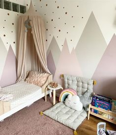 I thought I'd share a little before and after for this Wednesday eve! Check out Alices room before we got started. Baby Room Design, Baby Room Decor, Nursery Room, Interior Room Decoration, Room Interior, Girl Room, Girls Bedroom, Small Lounge Rooms, Ideas Habitaciones