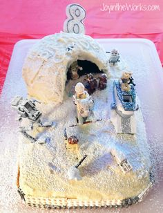 Make a easy Star Wars Hoth cake for your Lego Star Wars birthday cake!