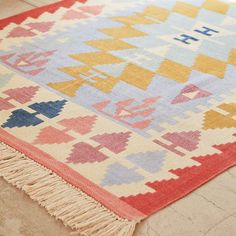 16 Budget-Friendly Statement Rugs for Spring | Brit + Co