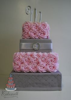 Pink buttercream roses, grey fondant with quilting… Bling Wedding Cakes, Square Wedding Cakes, Floral Wedding Cakes, Square Cakes, White Wedding Cakes, Cool Wedding Cakes, Wedding Cupcakes, Crazy Wedding, Summer Wedding
