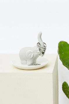 This adorable trunk-tastic ring holder.