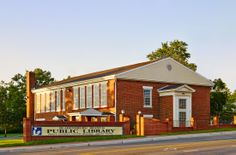 Photo of the exterior of the Bladensburg Branch Library.