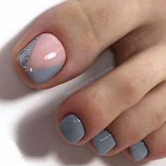 The advantage of the gel is that it allows you to enjoy your French manicure for a long time. There are four different ways to make a French manicure on gel nails. The choice depends on the experience of the nail stylist… Continue Reading → Pretty Toe Nails, Cute Toe Nails, My Nails, Gel Toe Nails, Gel Toes, Crazy Nails, Coffin Nails, Acrylic Nails, Toe Nail Color