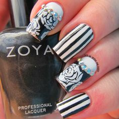 It's all about the polish: Aussie Nails Monday (on a Tuesday) theme black and white