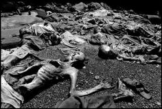 Gilles Peress RWANDA 1994 The remains of Rwandan refugees who were slaughtered at the parish of Nyarubuye. Over 1000 refugees were shot and hacked to death by Hutu 'interahamwe' militia at Nyarubuye. Their bodies remained undiscovered for 44 days What Happened To Us, Give Peace A Chance, Photographer Portfolio, What The World, Political Science, Persecution, Magnum Photos, World History, Death