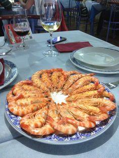 http://www.lagambadeoro.es/tienda-online.php Rueda de Langostinos, enviada por Antonio un cliente ayer por la noche previo a la cena quisieron comenzar con esta delicatessen