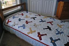 Free Airplane Quilt Pattern | took a long time figuring out how I wanted to quilt the top. I ended ...
