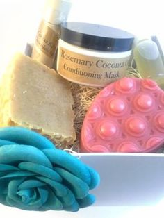 7 Piece Gift Set: Shampoo bar, conditioner, lotion bar, lip butter and apple cider vinegar rinse.