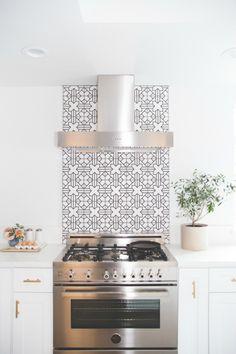Wandtegels keuken voorbeelden: alleen tegels achter het fornuis