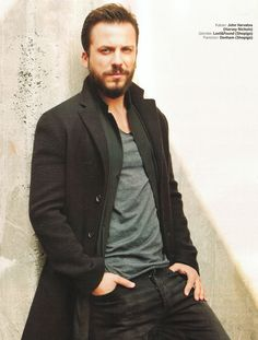 Serkan Altunorak, Denham jean pantolonu ve Lost gömleği ile Marie Claire'in Aralık sayısında..