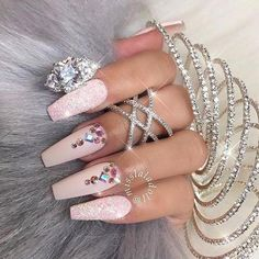 Pretty marshmallow pink ballerina manicure with glittering accent nails & crystals fancy princess nails # barbie tingz Glam Nails, Matte Nails, Glitter Nails, Fun Nails, Acrylic Nails, Pink Glitter, Glitter Eye, Beauty Nails, Beauty Makeup