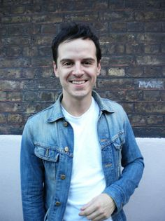 Moriarty (Andrew Scott) is actually kind of.dare I say it? (I can hear Sherlock ranting about stupid American girls from here. Sherlock Bbc, Jim Moriarty, Watson Sherlock, Sherlock Quotes, Martin Freeman, Andrew Scott, Benedict Cumberbatch, Sherlock Cumberbatch, Neal Caffrey