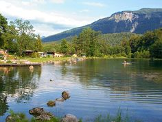 DUITSLAND: Camping Zellersee/Schleching - im Chiemgau Camping Alpen, Holidays Germany, Holiday Destinations, Landscape Photos, Holiday Travel, Campsite, Camping Hacks, Places To Go, Bergen