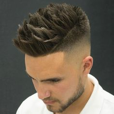 Fade Haircut Inspire Men 30 Source by Cool Mens Haircuts, Haircuts For Long Hair, Short Hair Cuts, Men's Haircuts, Latino Haircuts, Men Haircut 2018, Fade Haircut, Classic Hairstyles, Cool Hairstyles