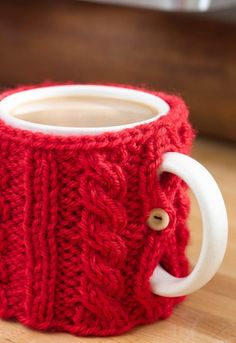 We love this fun and cozy DIY mug warmer! Use up your yarn stash to create these for the whole family this Christmas season.
