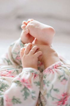 baby feet; wish I had a pic like this of mine....captures baby hands and feet. So sweet